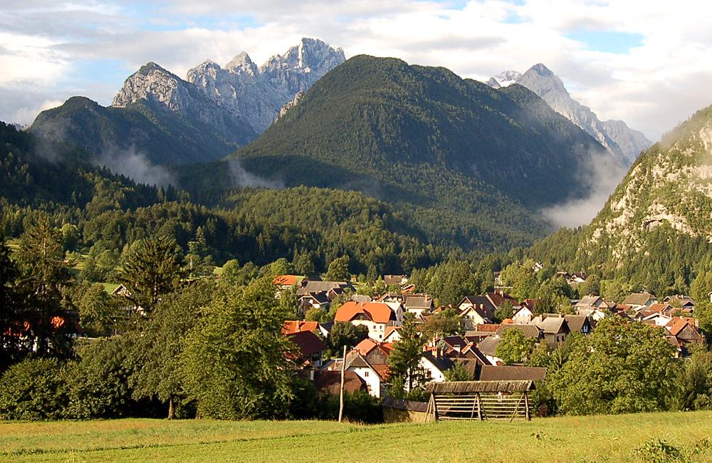 inn to inn trekking slovenia