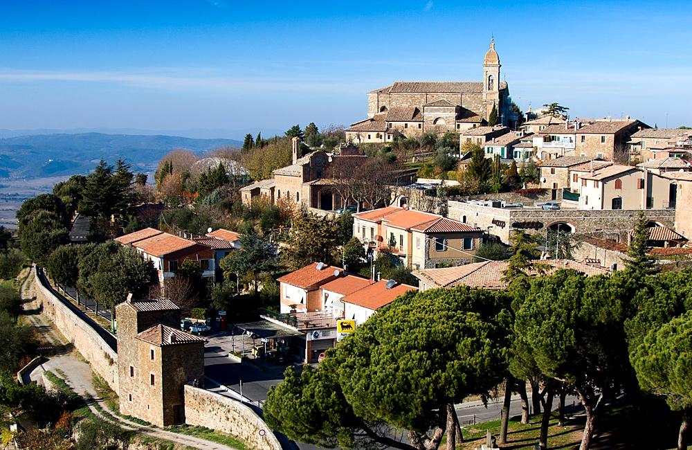 inn to inn walking in tuscany, italy