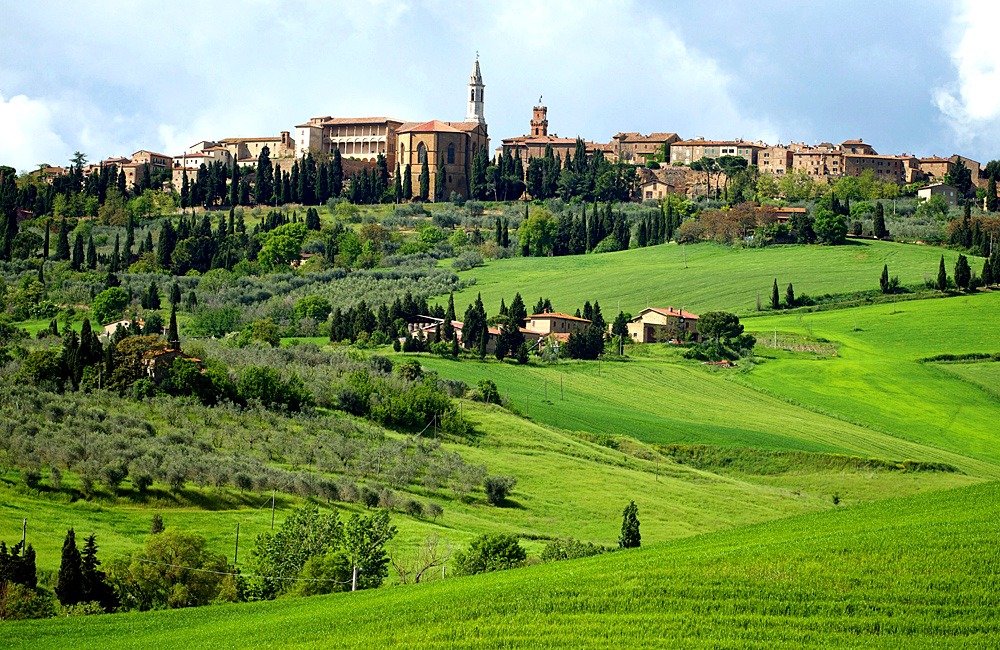 self-guided trekking in tuscany, italy