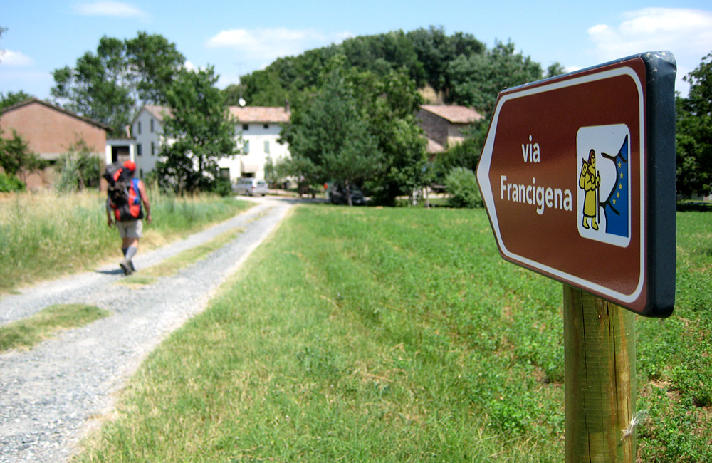 self-guided hiking and walking along the vi afrancigena in tuscany, italy
