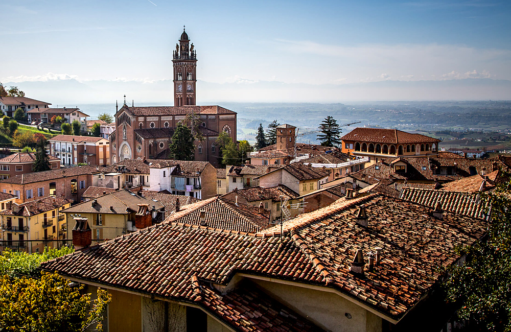 piedmont self-guided walking tour in italy