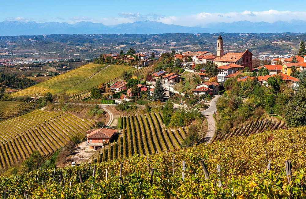 piedmont self-guided trekking tour in italy