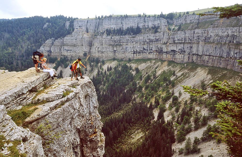jura trail independent trekking switzerland