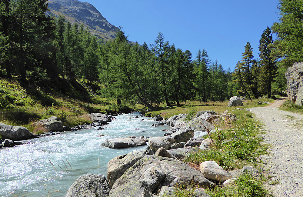 grisons self-guided hiking and walking