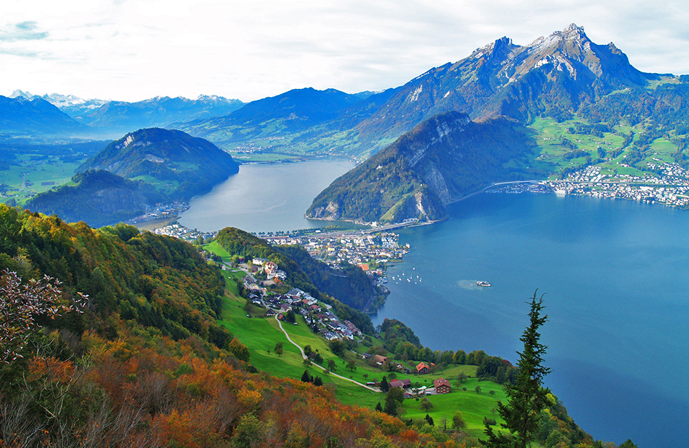 lake lucerne trekking circle in switzerland