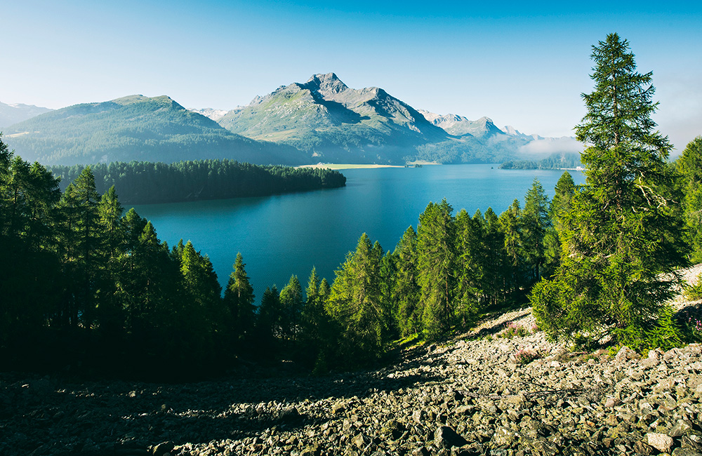 via engiadina inn to inn hiking trek in the swiss alps
