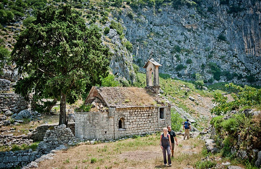 montenegro unguided trekking vacations