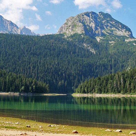 independent trekking in dumritor, montenegro