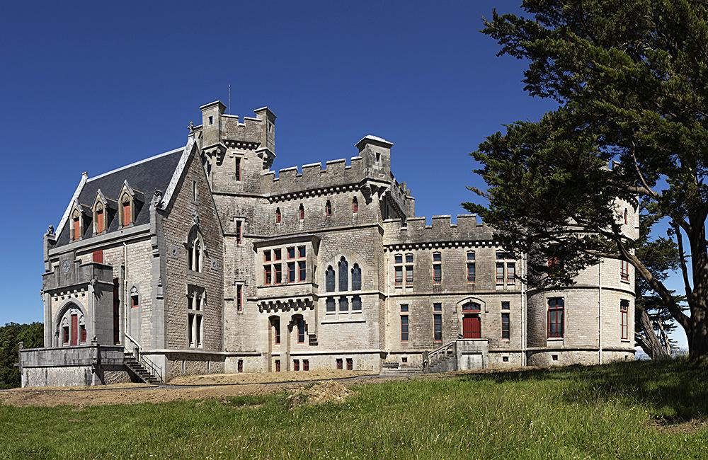 basque country inn to inn walking france gr10