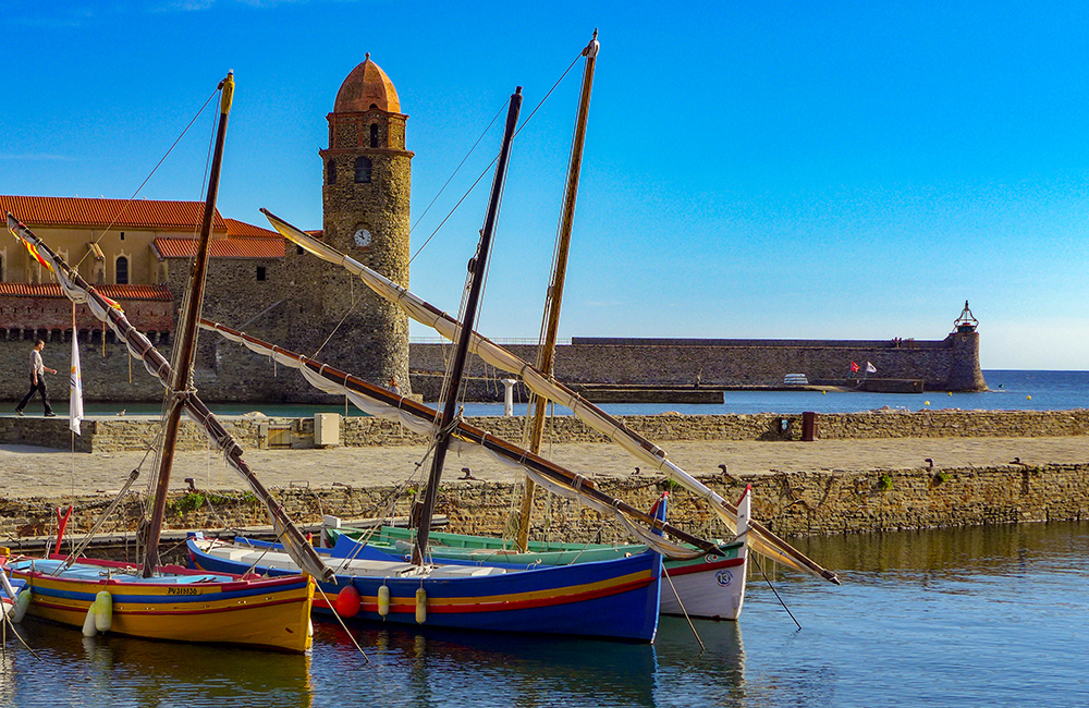 vermillion coast independent walking in france and spain