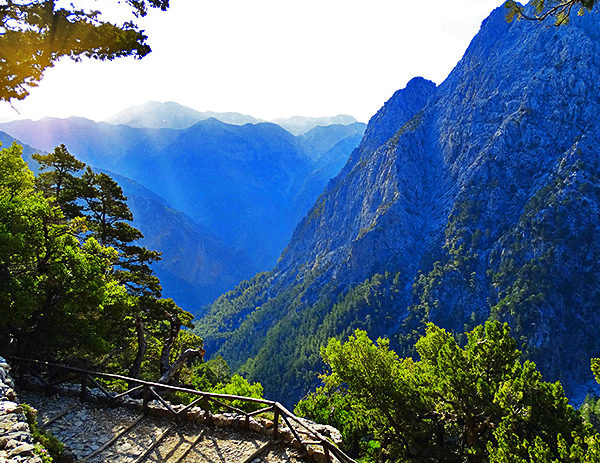 crete self-guided trekking tour