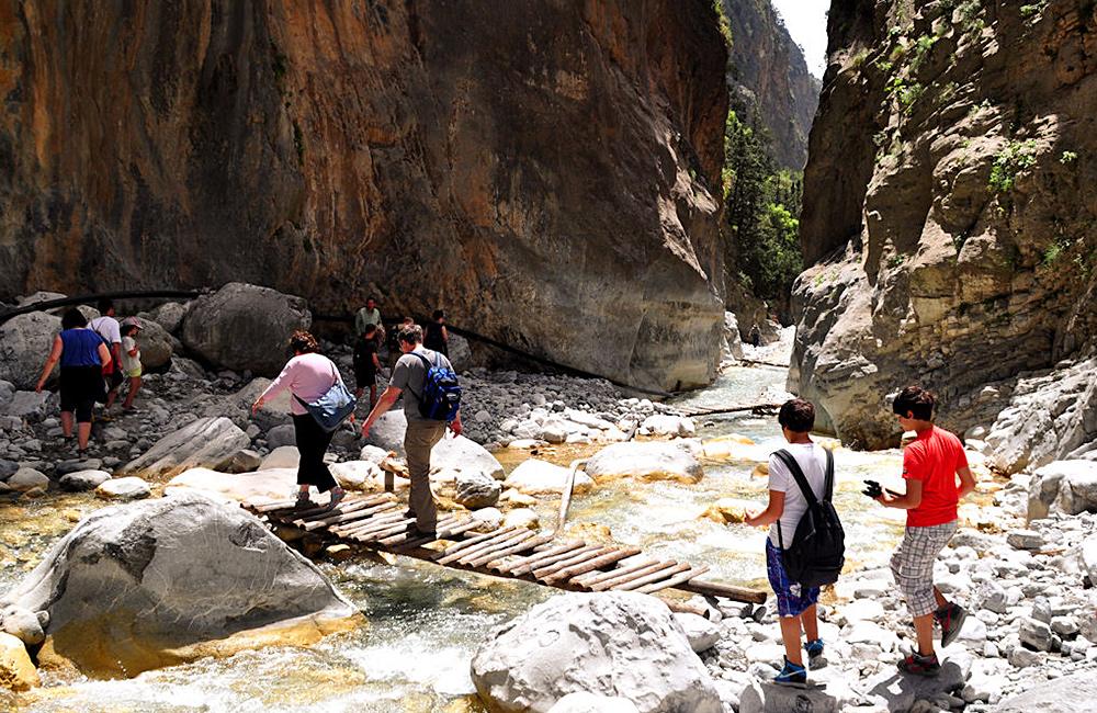 crete inn to inn walking and hiking tours
