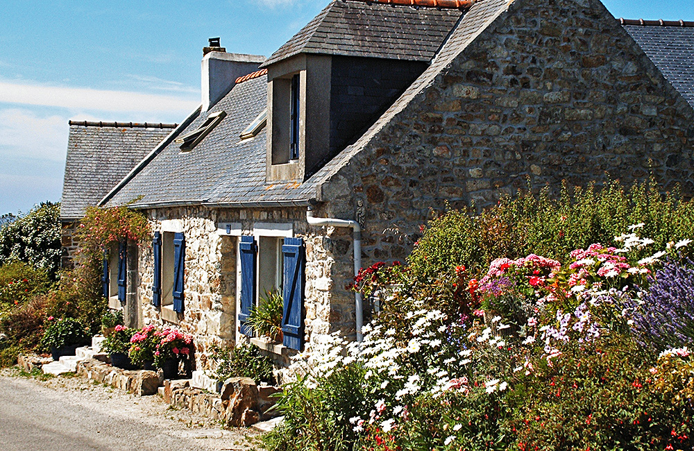 self-guided trekking tours in france, brittany