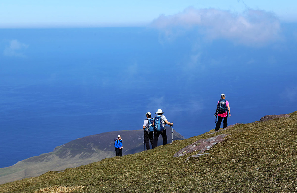 dingle way unguided walking and hiking tour