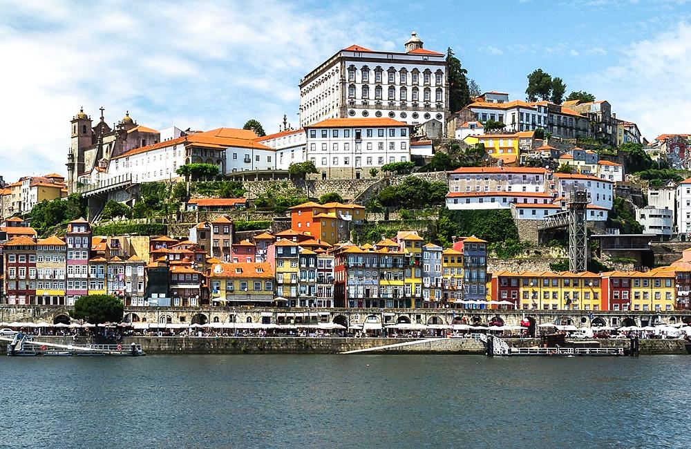 camino de santiago portuguese way trekking