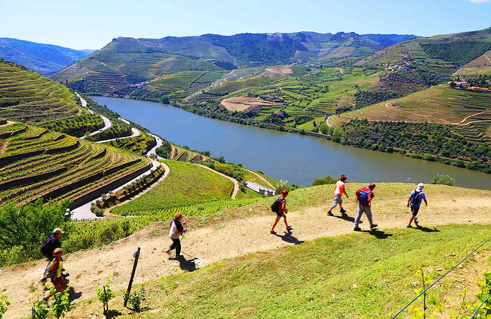portugal-self-guided-trekking,-douro-river