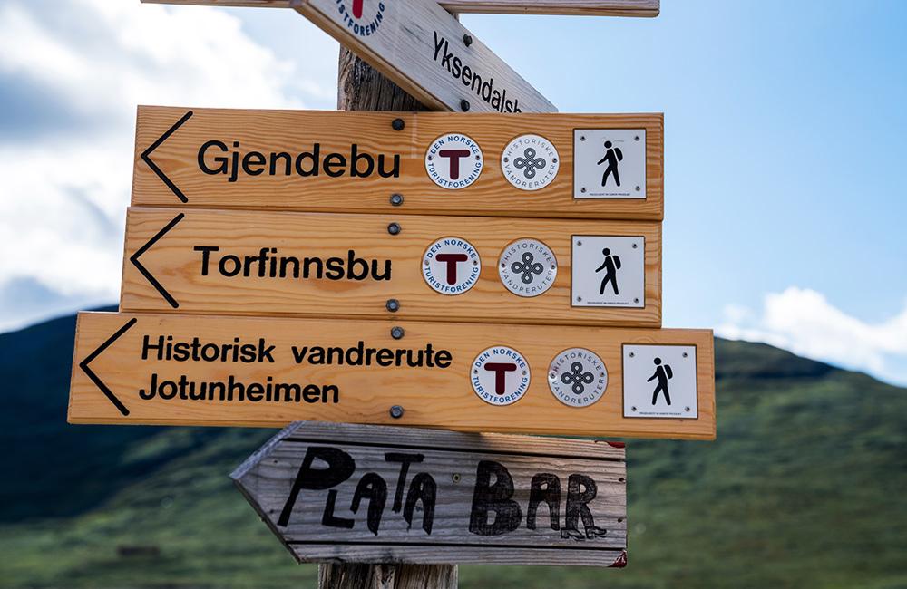 independent hiking tours in jotunheimen, norway