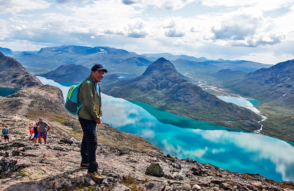 jotunheimen self-guided trekking tours in norway